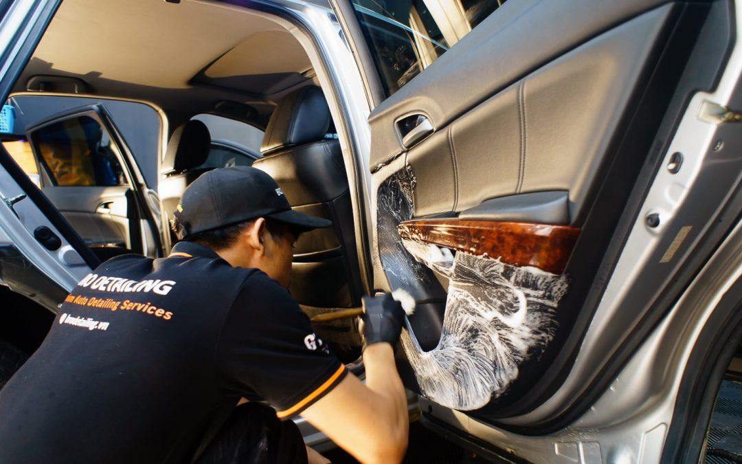 vệ sinh nội thất xe hơi định kỳ
