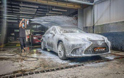 Tại sao giá rửa xe chi tiết lại cao hơn thông thường?