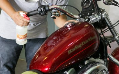 Tại sao nên dán phim chống trầy xe moto?