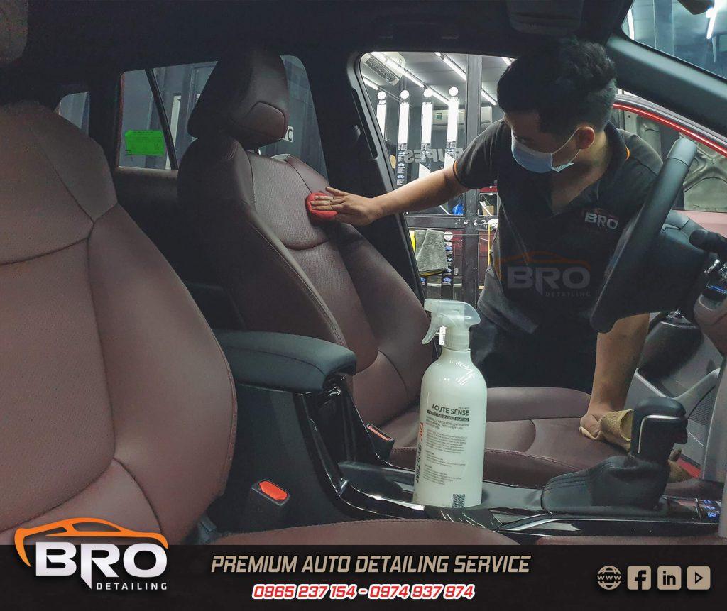 dưỡng nội thất xe ô tô